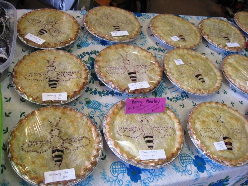Bee themed pies at Beeline Apiaries