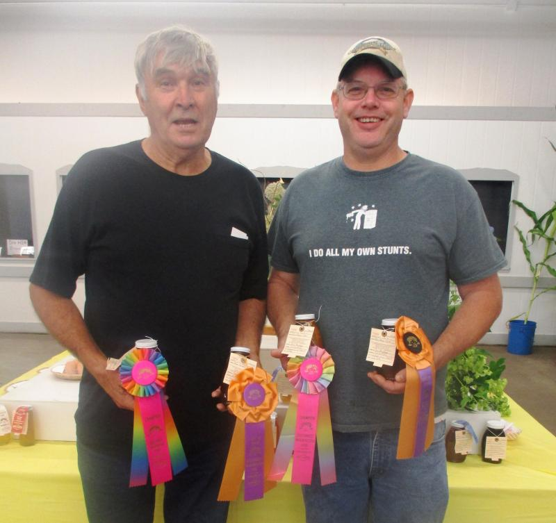 Steve Howard and Dan Maughan won 2017 best in show ribbons