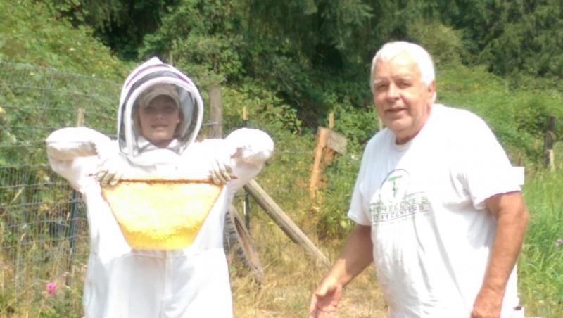 LCBA Youth in Beekeeping Scholarship student Rylea Shan Powell and mentor Gottfr