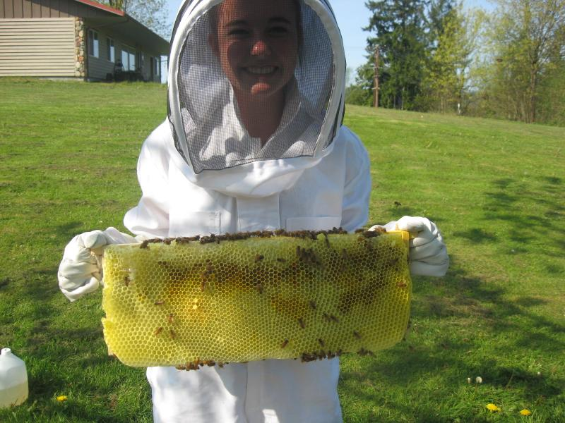 Jana Girt, LCBA's 2015 Youth in Beekeeping Scholarship winner