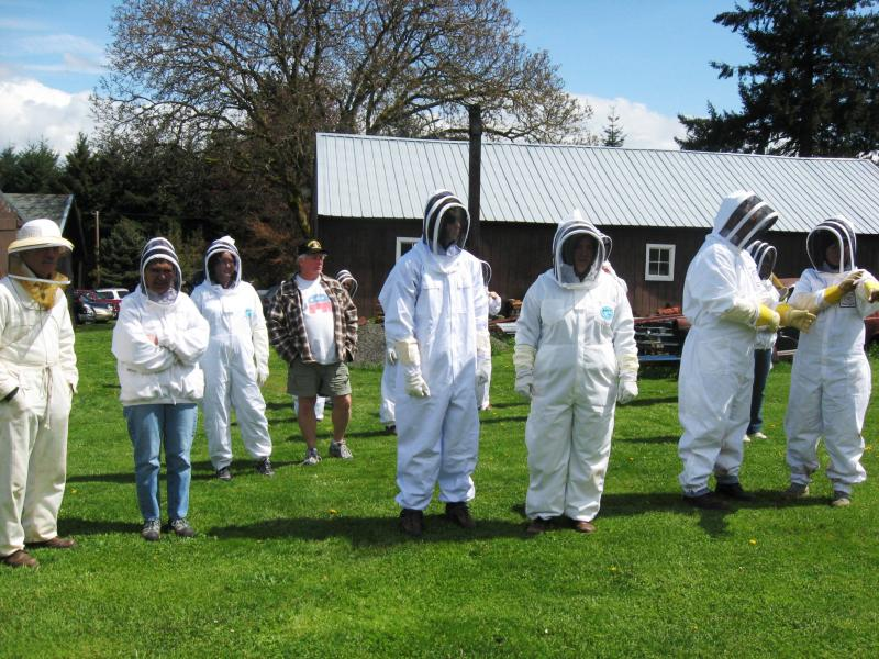 LCBA members get ready for hive inspection workshop
