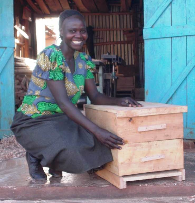 KiReeCo Beekeeper Agnes with Langstroth Hive