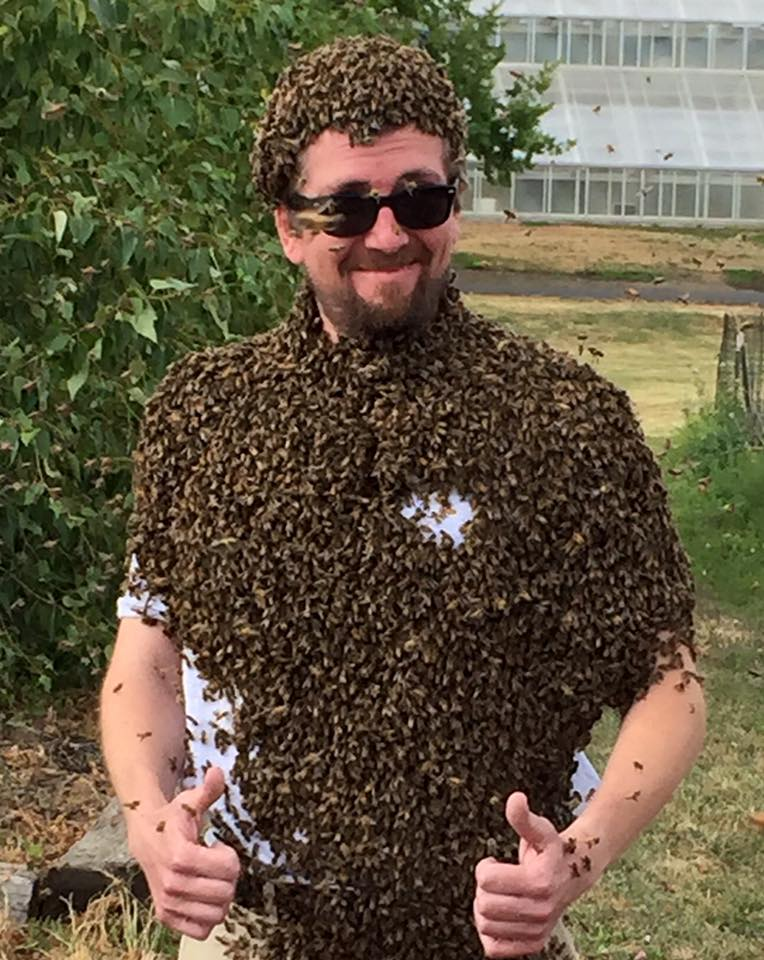 LCBA Treasurer Rick Battin wearing bee beard at WSU short beekeeping course